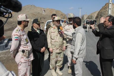 تقویت بنیه دفاعی و تجهیز یگان های مرزی جنوب شرق کشور از اولویت های ناجا