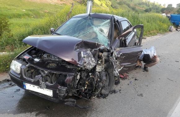 ۲کشته و۳ مجروح در تصادف کامیونت خاور با سمند