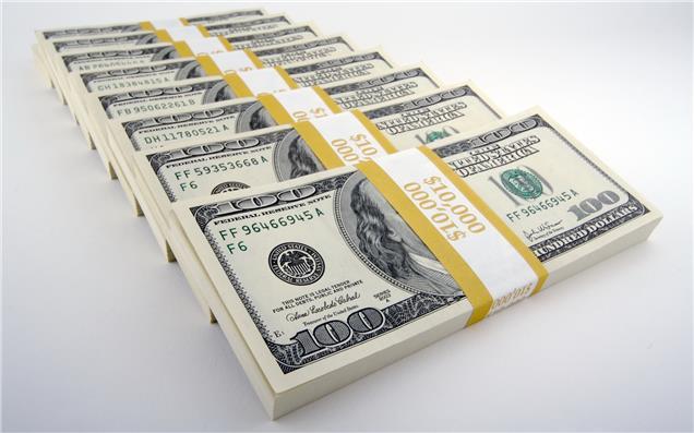 صرافی بانکها عرضه ارز به را به شدت محدود کردند/ سیگنال افزایش قیمت به بازار