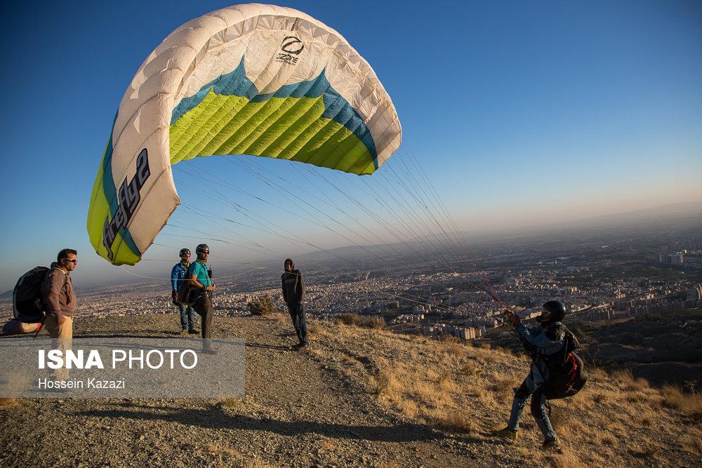 جشنواره ورزشهای هوایی یگان ویژه ناجا