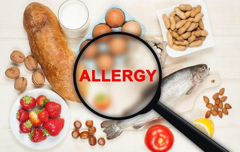 بسیاری از آلرژیهای غذایی در بزرگسالی بروز میکنند