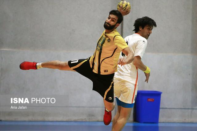 دیدار تیمهای هندبال سپاهان و سنگ آهن بافق در اصفهان