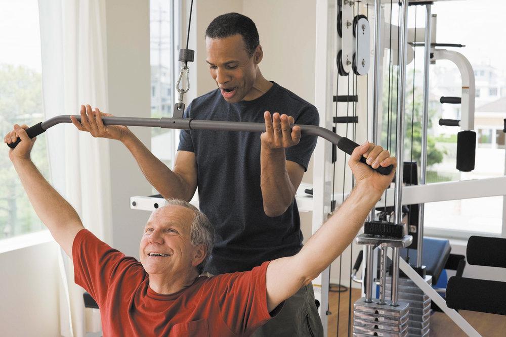 چگونه با تحلیل رفتن عضلات در میانسالی مبارزه کنیم؟