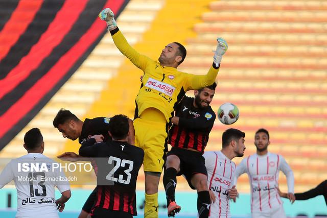 ذوالفقارنسب: هیچ باشگاهی در ایران، ضوابط فوتبال حرفهای را ندارد