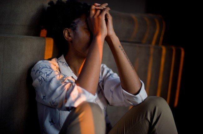 ۵ نشانه ظاهری اضطراب بیمارگونه