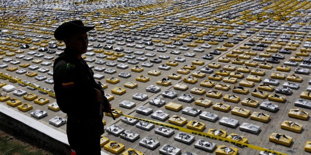 تلاش قاچاقچیان برای حمل محموله بزرگ کوکائین به انگلیس