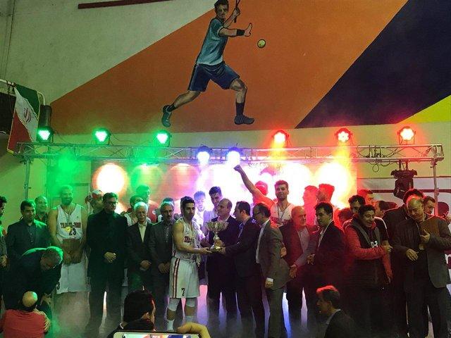 جشن قهرمانی تبریزی ها در بسکتبال/ مراسمی منظم و شایسته