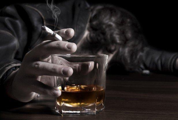 آخرین آمار مسمومان و فوتیهای مشروبات الکلی دستساز