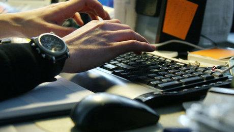 آسیب فضای مجازی برای نوجوانان/ارتباط بازیهای اینترنتیخشن با خودکشی و اعتیاد