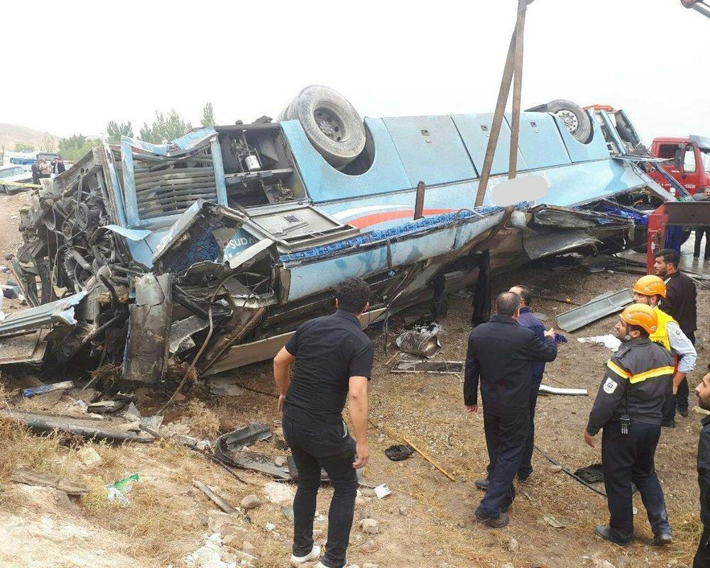 جزئیات واژگونی اتوبوس دختران دبیرستانی