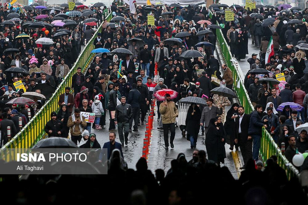 امدادرسانی به حدود ۳۰۰ نفر از راهپیمایان تهرانی