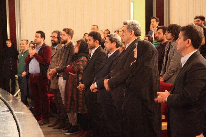 شهردار تهران به تماشای «سقراط» نشست
