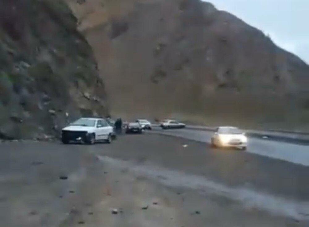 واکنش پلیس به ریختن گازوئیل در جاده هراز