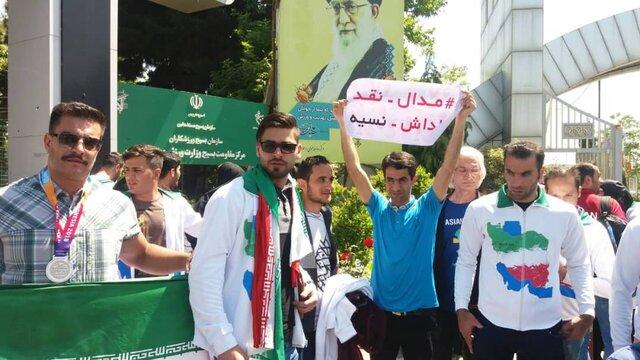 جلسه احتمالی وزیر ورزش با ورزشکاران معترض در روز چهارشنبه