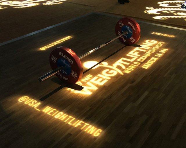سرپرست وزنهبرداری: مسئله بانوی وزنهبردار را بررسی میکنم/ به قهرمانی جوانان احتیاج داشتیم