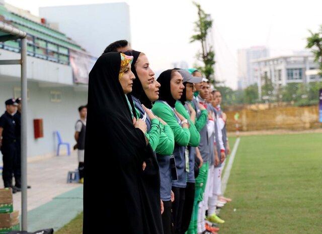 دختران فوتبالیست و مادر خوانده ای به نام صوفی زاده!