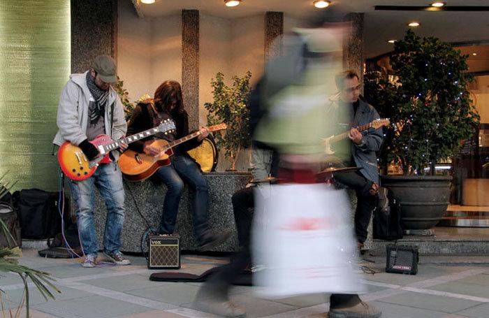 پیشنهادی برای باز شدن گره از کار نوازندگان خیابانی