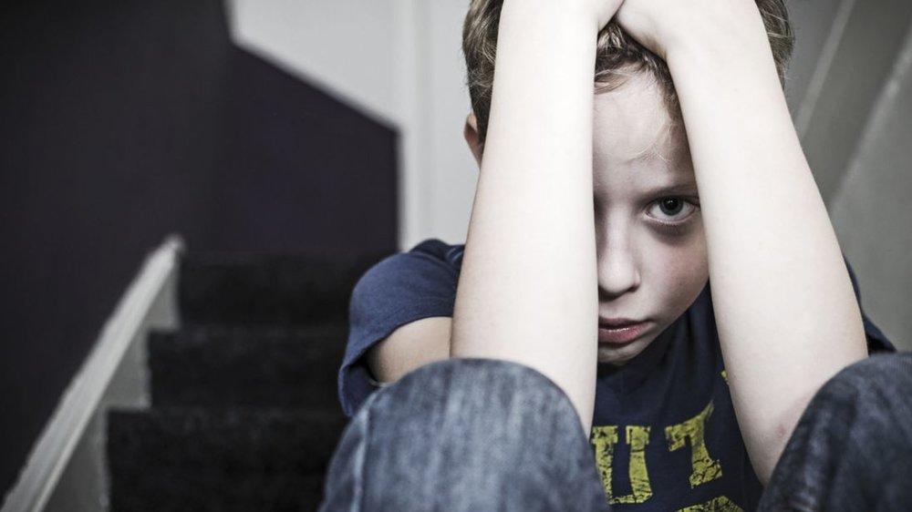 مراقب گفتگوها و رفتارهایمان جلوی کودکان باشیم