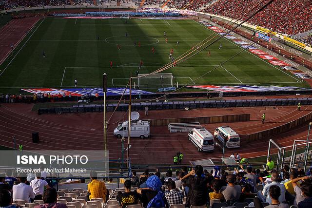 ارائه راهکارها برای بهبود فضای ورزشگاههای فوتبال