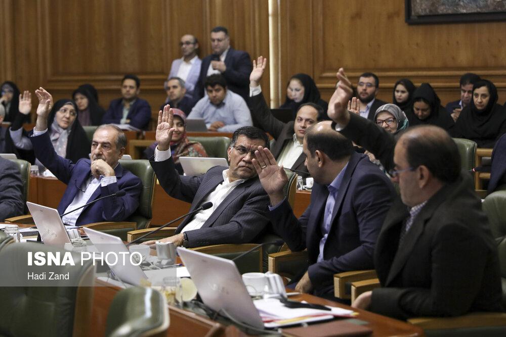 """اعتراض فرمانداری به نامگذاری معابری به نام """"جلیل شهناز"""" و """"بهمن کشاورز"""""""