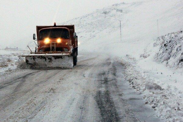 راههای فرعی گیلان زیر برف است