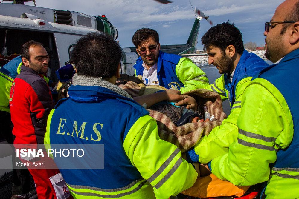 امداد رسانی به مناطق برف گرفته گیلان