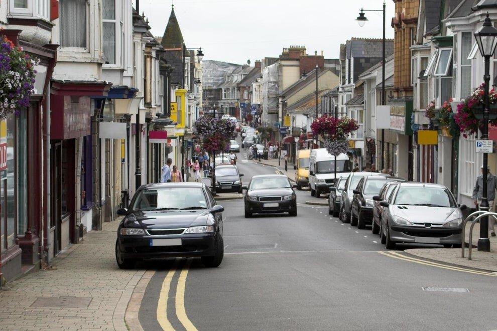 برنامه دولت انگلیس برای ممنوعیت پارک وسایل نقلیه در پیادهرو