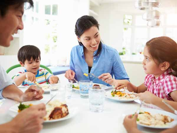 الگوی عملی خوب برای فرزندان خود باشیم