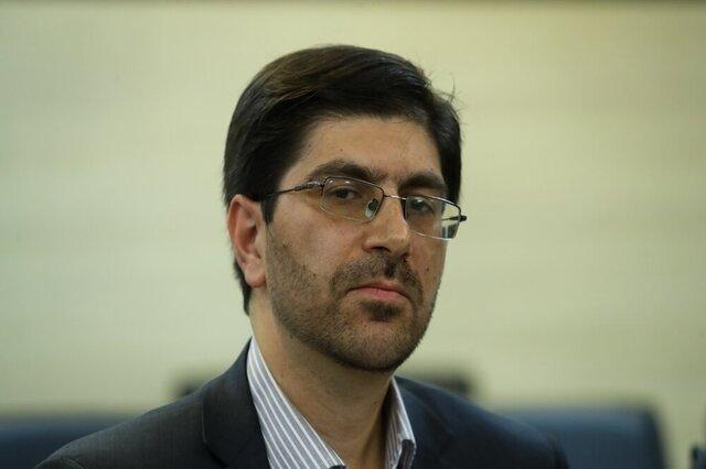 رضا خواه: وزیر اقتصاد در حوزه بورس و واگذاریها باید توضیح دهد