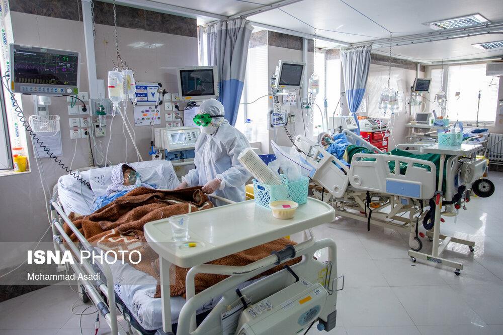 بستری ۲۴ مادر باردار کرونایی در بیمارستان های اراک/تبدیل کافه بیمارستان به محل تریاژ و تزریقات