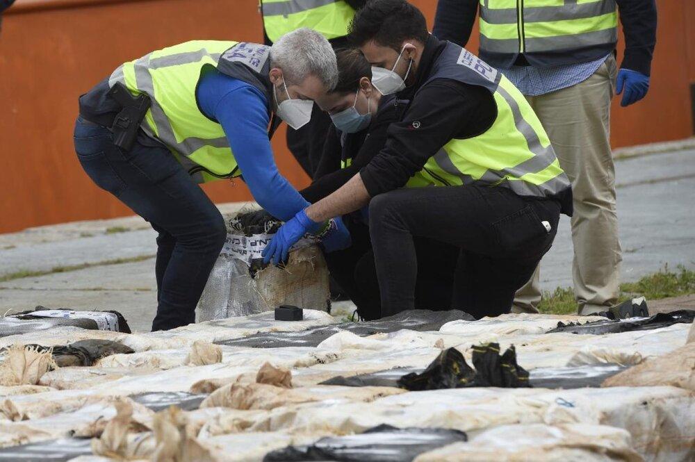 کشف یک تُن کوکائین در محموله تفاله موز در بندر لندن