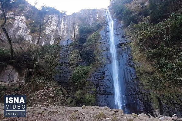 ویدئو/ سیری در آبشار «مسکین» تالش