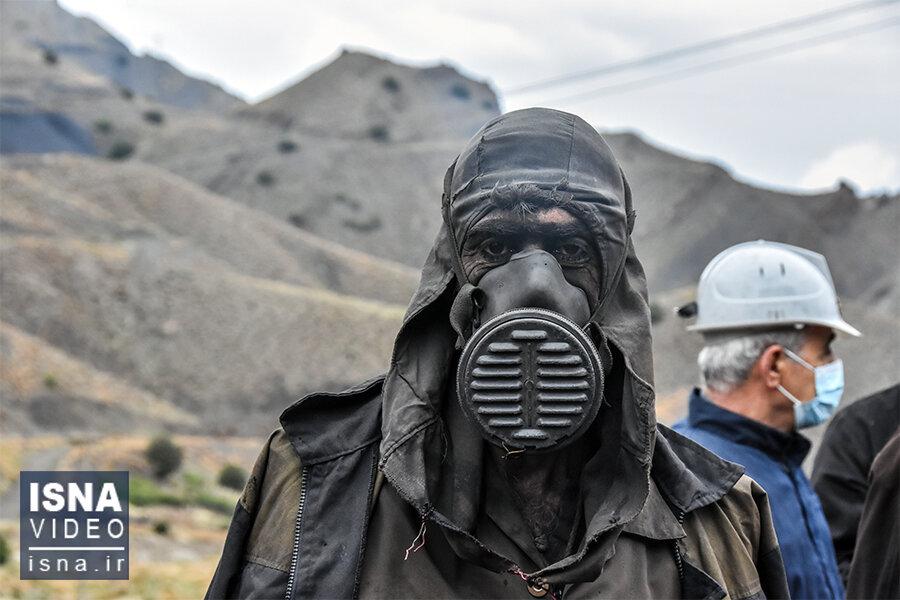 ویدئو / چهارمین روز محبوس شدن دو کارگر در معدن ذغالسنگ «طزره»