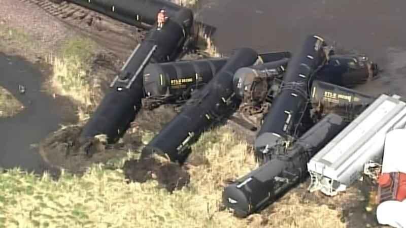 دستور تخلیه پس از خروج قطارِ حامل مواد شیمیایی از ریل در آمریکا