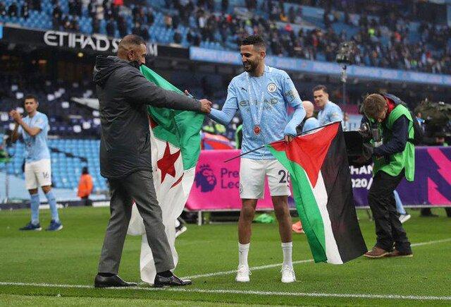 ستاره سیتی با پرچم فلسطین در جشن قهرمانی
