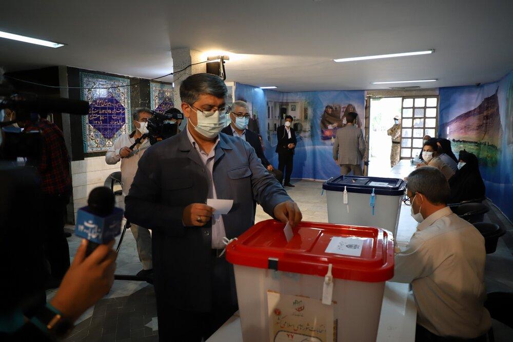 کریمی عنوان کرد: نتایج ارزشمند داخلی و خارجی حضور حداکثری مردم در انتخابات