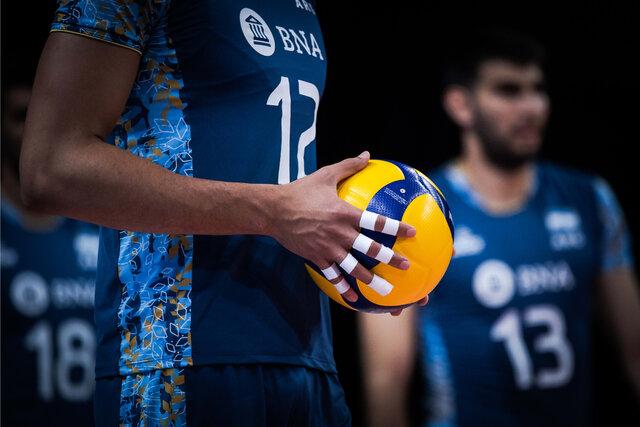 نائینی: داورزنی فقط شعار میدهد/ وزیر ورزش به داد والیبال برسد