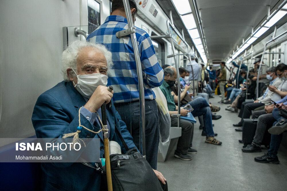 خرابی کولر قطارهای مترو را به «۳۰۰۰۴۲۷۷» پیامک کنید