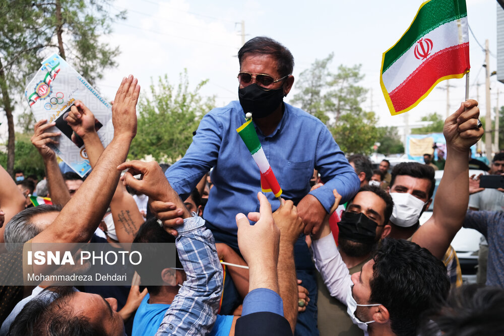 تماشای فینال کشتی قهرمان المپیک محمدرضا گرایی – شیراز